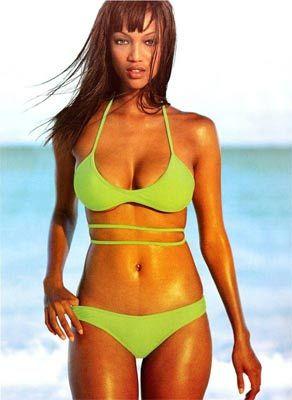 Tyra Banks - 32